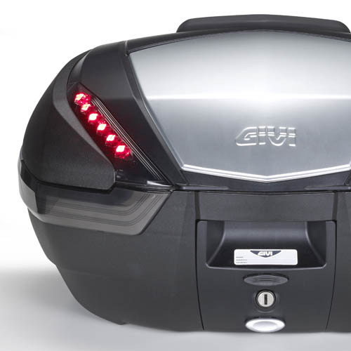 Givi - Stop light for top-case MONOKEY® V47. This product is exempt from homologation in accordance with EU Regulation 168/2013. We invite you to check the existing legislation in your country.
