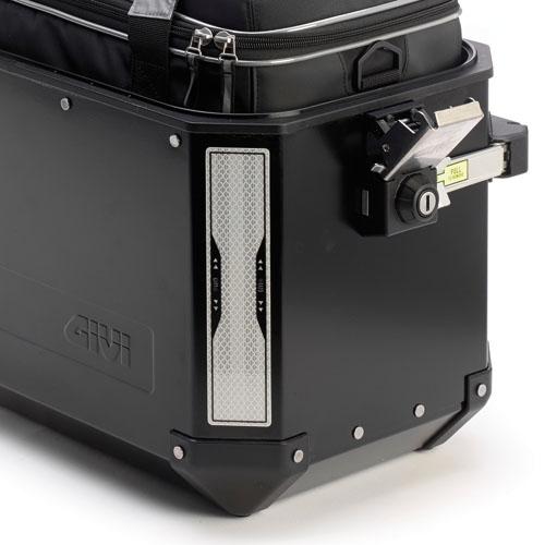 Givi - Juego de pegatinas refractantes serigrafiadas, da poner posteriormente sobre las maletas Trekker Outback y Trekker Dolomiti. Tamano 205x45 mm